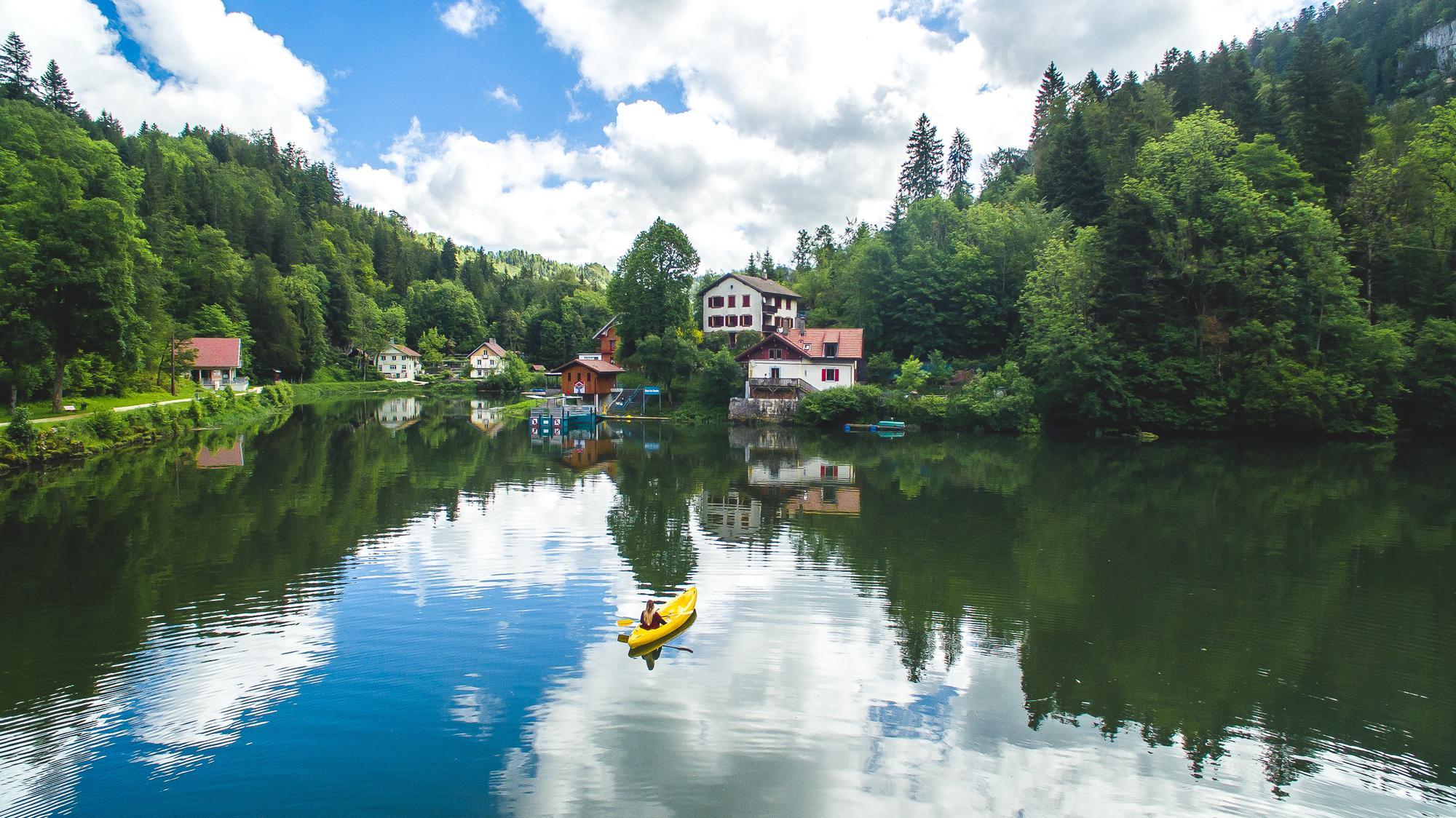 Montagnes du Jura, sault du doubs, kayak, france